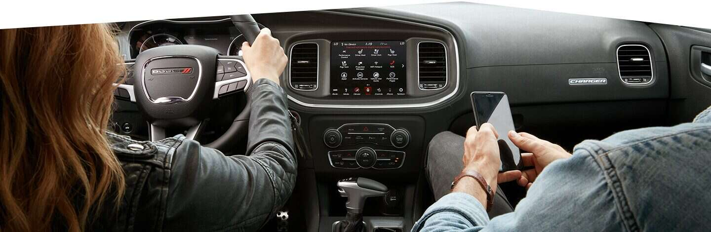 2020-dodge-charger-interior-radio-speakers-sound.jpg.image.1440