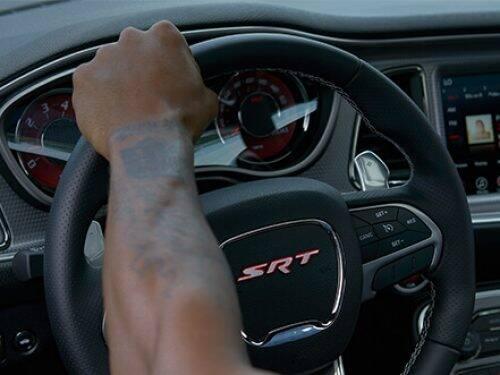 2019-dodge-challenger-vlp-technology-steering-wheel.jpg.image.500